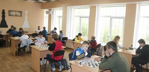 Каменчанин стал победителем мемориального турнира по шашкам-64 Днепродзержинск