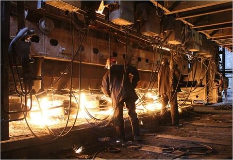 Профсоюз «Металлургов» комбината г. Каменское ведет переговоры с руководством «ДМК» о повышении зарплаты Днепродзержинск