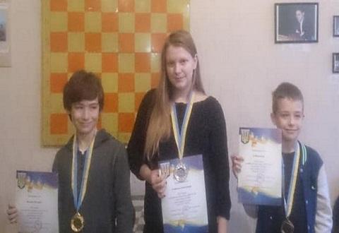 ДЮСШ № 3 г. Каменское провела открытое первенство по шахматам Днепродзержинск