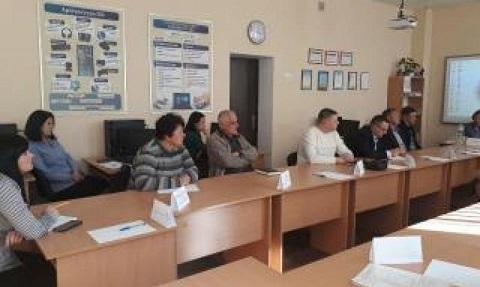 Каменчане обсудили проблему кризиса на рынке труда Днепродзержинск
