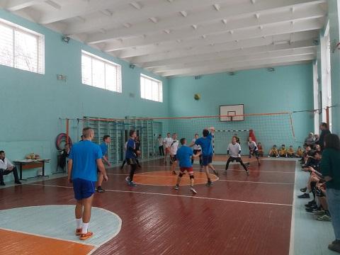 Команда металлургического колледжа г. Каменское победила в волейбольном турнире Днепродзержинск