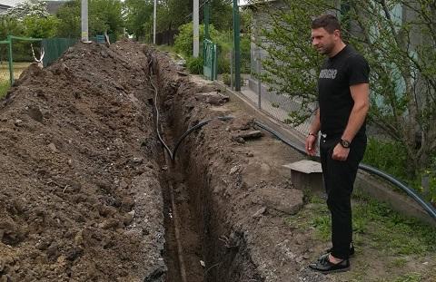 В Каменском продолжают плановые работы по замене трубопровода в Карануховке Днепродзержинск