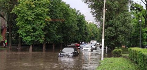 Дождливый июнь Каменского летом 2021 года Днепродзержинск