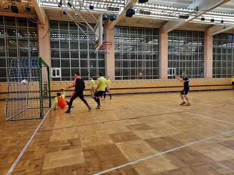 Футболисты г. Каменское начали чемпионат города в футзале Днепродзержинск