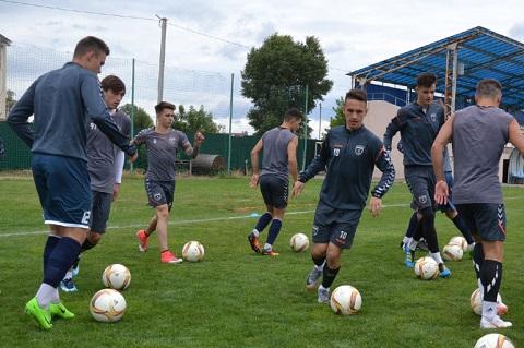 «Сталь» г. Каменское  проводит тренировки и силовую работу Днепродзержинск