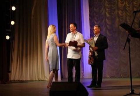 Медицинских работников Каменского поздравили с профессиональным праздником Днепродзержинск