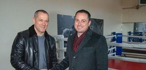 В Каменском с рабочим визитом побывал депутат облсовета М. Кошляк Днепродзержинск