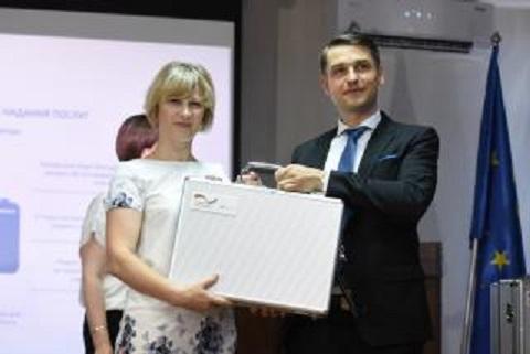 Каменчане в торжественной обстановке провели передачу мобильных кейсов громадам трех областей Днепродзержинск