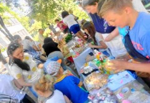 Ярмарка благотворительности прошла в Каменском ко Дню защиты детей Днепродзержинск