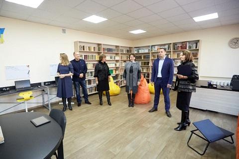 В Каменском лицее информационных технологий № 2 открыли новый центр Днепродзержинск