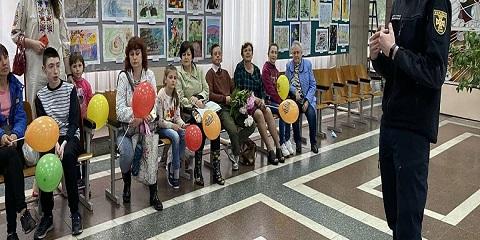 Сотрудники Службы спасения г. Каменское провели акцию ко Дню защиты детей Днепродзержинск