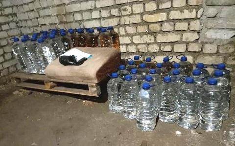 В г. Каменское обнаружили подпольный цех фальсифицированных ликеро-водочных изделий Днепродзержинск