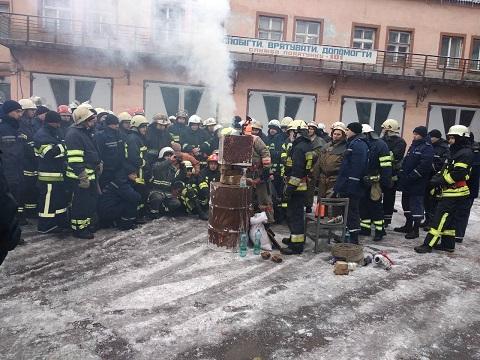 Школа ПОМ спасателей Каменского провела занятие Днепродзержинск