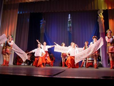 Каменской театр им. Леси Украинки гастролировал в Днепре Днепродзержинск