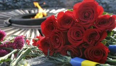 Городской голова Каменского поздравил земляков с Днем памяти и примирения, Днем победы над нацизмом  Днепродзержинск