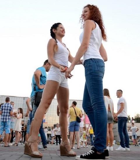 В Каменском осваивали латиноамериканские танцы Днепродзержинск