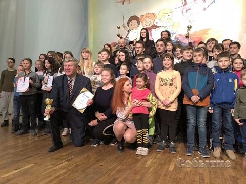 В ЦВРДТ г. Каменское награждали призеров и победителей чемпионата Украины по шашкам-64 Днепродзержинск