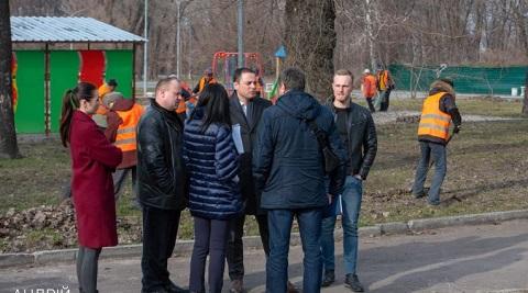 Мэр г. Каменское инспектировал город после осенне-зимнего сезона Днепродзержинск