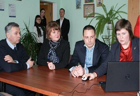В гимназии Каменского стартовал пилотный проект по внедрению электронной системы Днепродзержинск