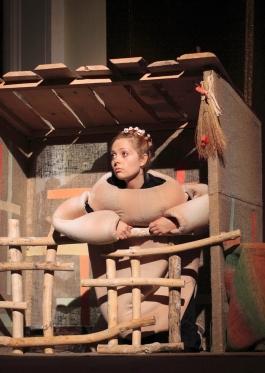 На сцену каменского театра возвращаются любимые спектакли Днепродзержинск