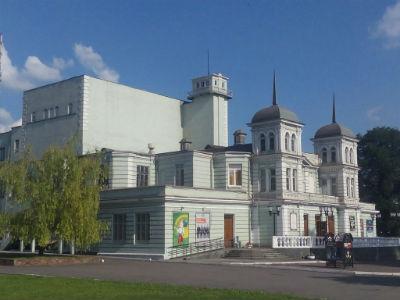 Гастрольный спектакль «Зона» в каменском театре