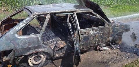 Под Каменским сгорел автомобиль Днепродзержинск