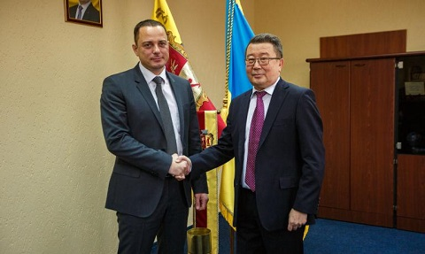 В Каменском прошла официальная встреча мэра города с послом Республики Казахстан Днепродзержинск