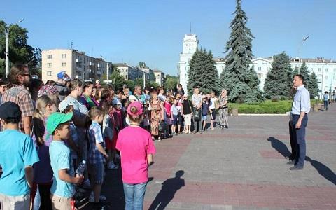 День защиты детей в г. Каменское начали с экскурсии в ДГЦ Днепродзержинск