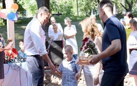 Праздник для детей Каменского провели в Заводском районе Днепродзержинск