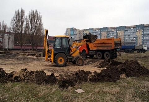 В Каменском начали строительство футбольного поля для ДЮФШ «Надежда» Днепродзержинск
