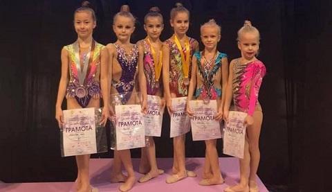 Каменские гимнастки стали призерами всеукраинского турнира Днепродзержинск