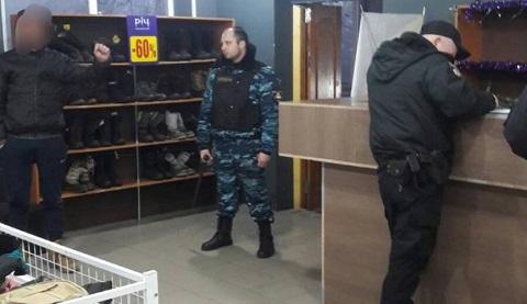 Сотрудники охранной компании г. Каменское в  магазине задержали хулигана Днепродзержинск