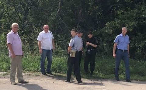 В Каменском решали вопрос утилизации останков животных на дороге в промзоне Днепродзержинск