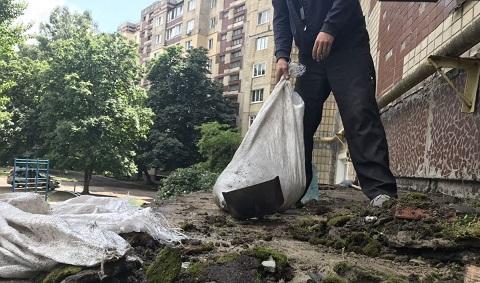 На левобережье г. Каменское проводят поэтапный ремонт входных групп Днепродзержинск