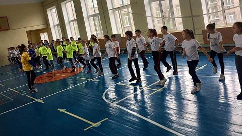 Школьники Заводского района г. Каменское провели «Крутые игры» Днепродзержинск