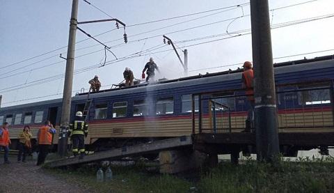Спасатели г. Каменское ликвидировали возгорание вагона электропоезда  Днепродзержинск