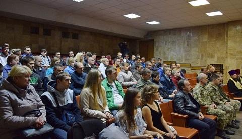 Каменских юношей торжественно проводили на военную службу Днепродзержинск