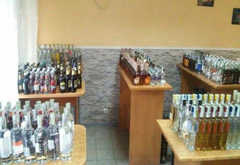 Профилактическая отработка Каменского позволила полиции изъять нелицензионный алкоголь Днепродзержинск