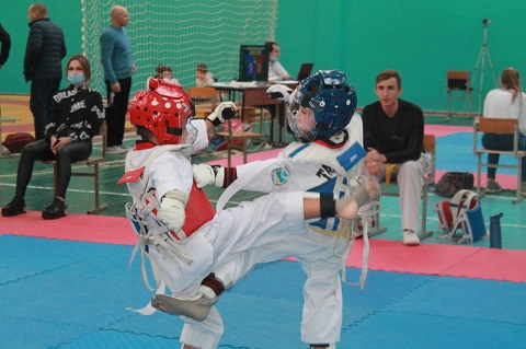 В Каменском провели спортивные соревнования по тхеквондо Днепродзержинск