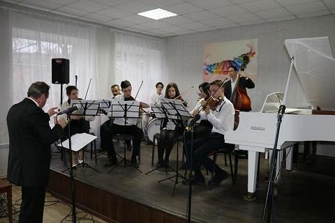 Студенты музыкального колледжа г. Каменское провели концерт Днепродзержинск