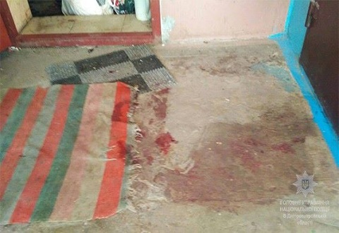 В Каменском женщина ножом ранила мужчину при совместном распитии самогона Днепродзержинск