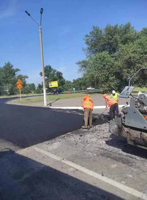 В Каменском продолжают ремонт трассы на Кулеши Днепродзержинск
