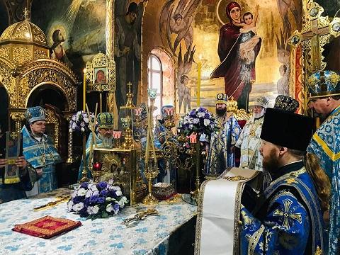 В г. Каменское состоялись епархиальные торжества Днепродзержинск