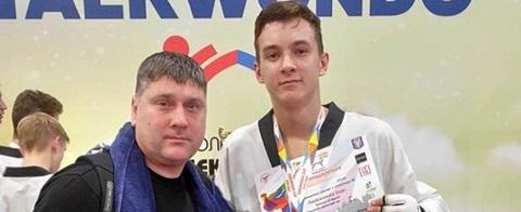 Каменчанин стал первым на турнире тхэквондистов всеукраинского уровня Днепродзержинск