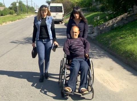 В Каменском люди с инвалидностью пользуются услугами автобусов Isuzu Днепродзержинск