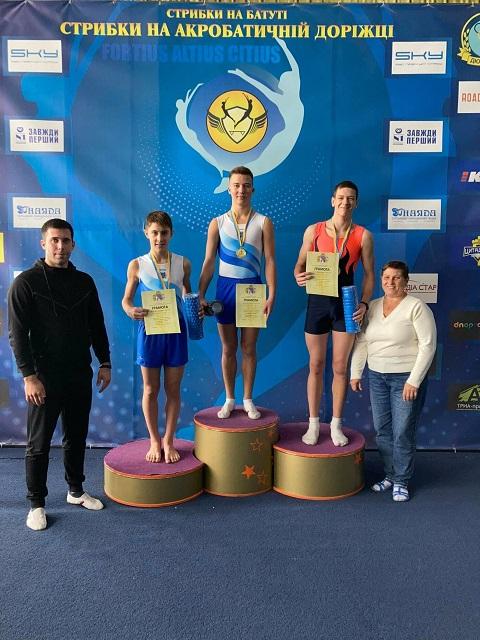 Каменчане стали призёрами Чемпионата области по прыжкам на акробатической дорожке Днепродзержинск
