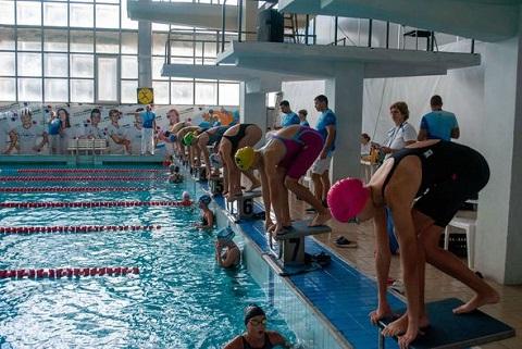 В выходные дни Каменское принимало лучших юных пловцов страны Днепродзержинск