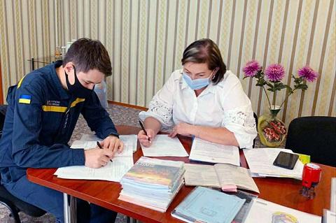 Спасатели г. Каменское продолжают проверки на объектах проведения местных выборов Днепродзержинск