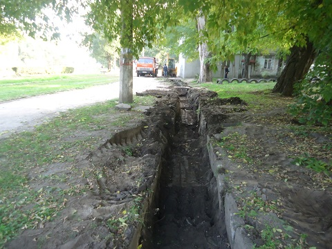 В Каменском коммунальщики приступили к чистке проблемной ливневой канализации Днепродзержинск