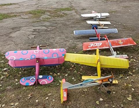 Юные авиамоделисты в Каменском провели соревнования Днепродзержинск
